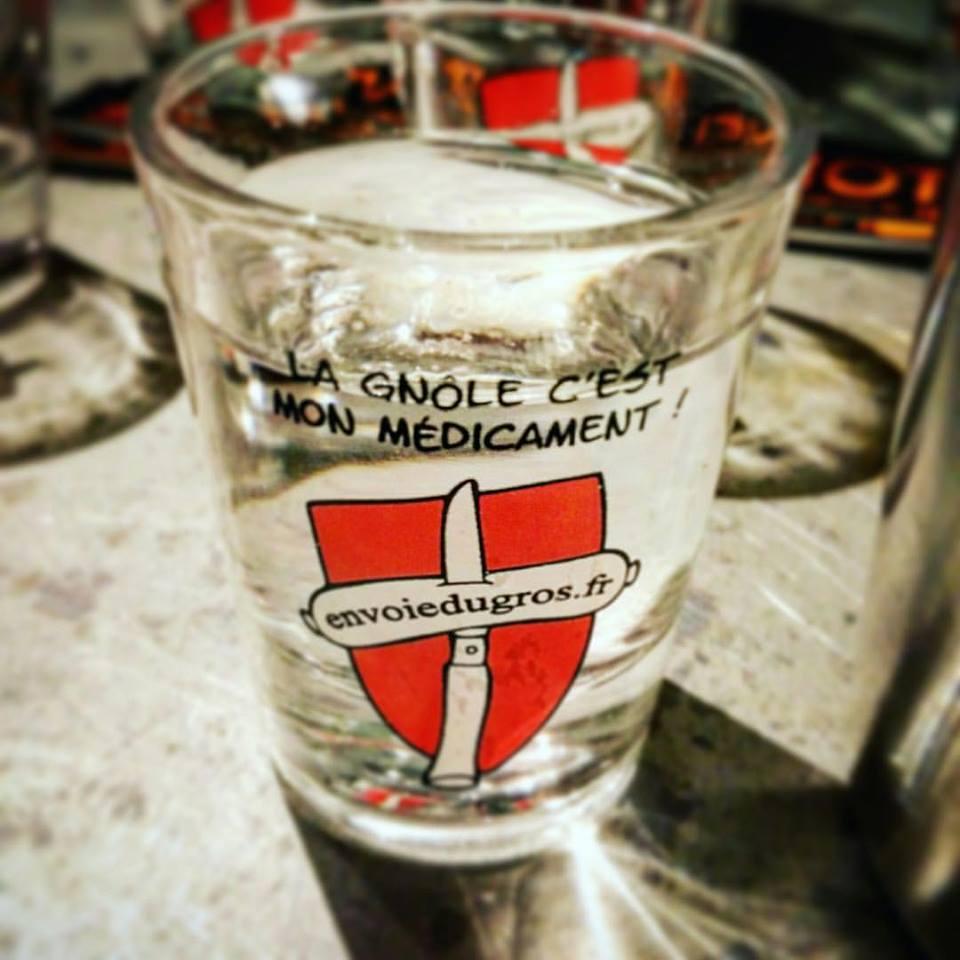 4-verre-gnole-medicament